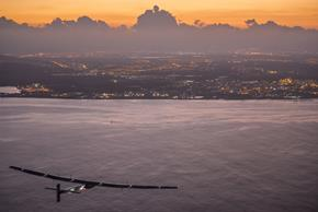 2015 07_03_Solar_Impulse_2_RTW_7th_Flight_Nagoya_to_Hawaii_landing_revillard_05798_Copy