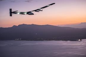 2015 07_03_Solar_Impulse_2_RTW_7th_Flight_Nagoya_to_Hawaii_landing_revillard_05828_Copy